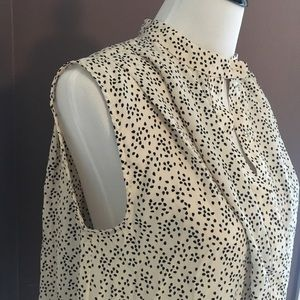 Teardrop print sleeveless blouse hi-low hem